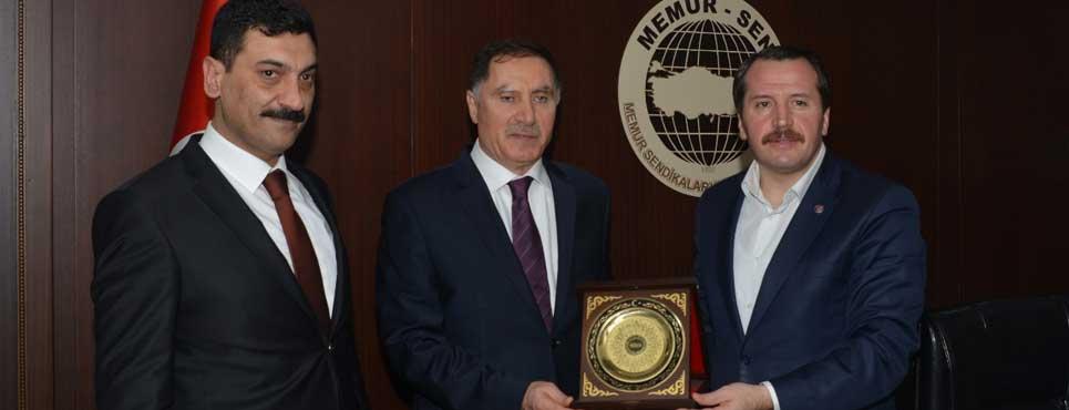 Başdenetçi Malkoç, Memur-Sen'i ziyaret etti