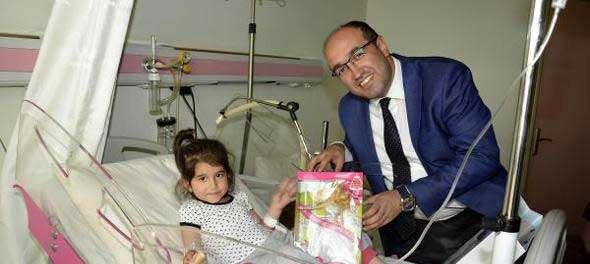 Başkan Çöl'den hastalara ziyaret