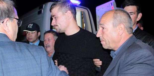 Gazi, babaevinde kurban kesilerek karşılandı