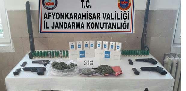 Sinanpaşa'da emniyet operasyonu