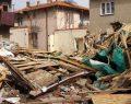 Doğal gaz kaynaklı patlamada ev çöktü: 2 yaralı