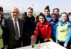 İlk Kez Bir Kadın Futbol Takımı Afyonkarahisar'da Kamp Yapıyor