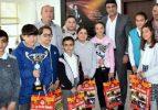 Şampiyonlardan Başkan Çağrı'ya ziyaret