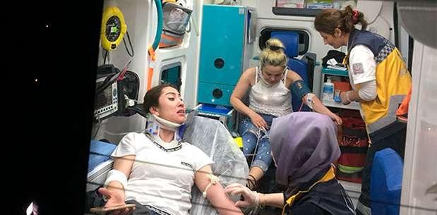'Şakacı' eşinin sıkıştırdığı sürücü kaza yaptı: 1'i bebek, 5 yaralı