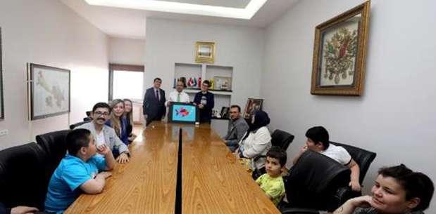 Başkan Çoban otizmli çocukları ağırladı