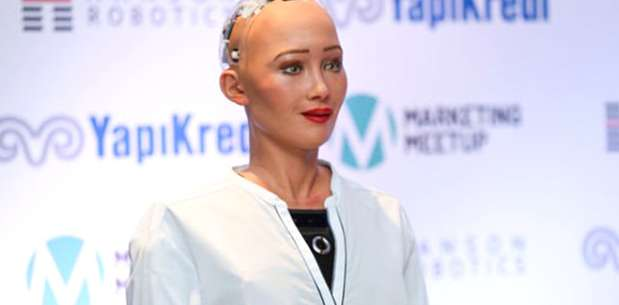 Vatandaşlık Alan İlk İnsansı Robot Türkiye'ye Geldi