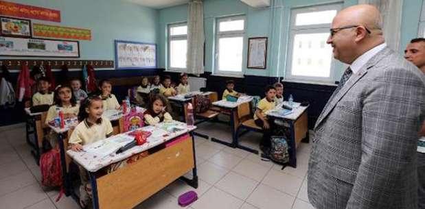Başkan Çoban'dan okullara hediye