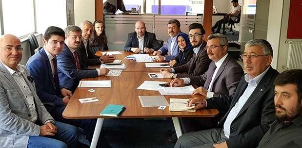 İl Başkanı Sezen SKM'de değerlendirme toplantısı yaptı