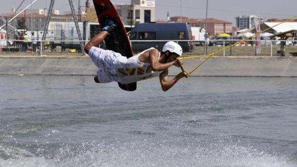 Su kayakçıları Afyonkarahisar'daki şampiyonaya renk katacak