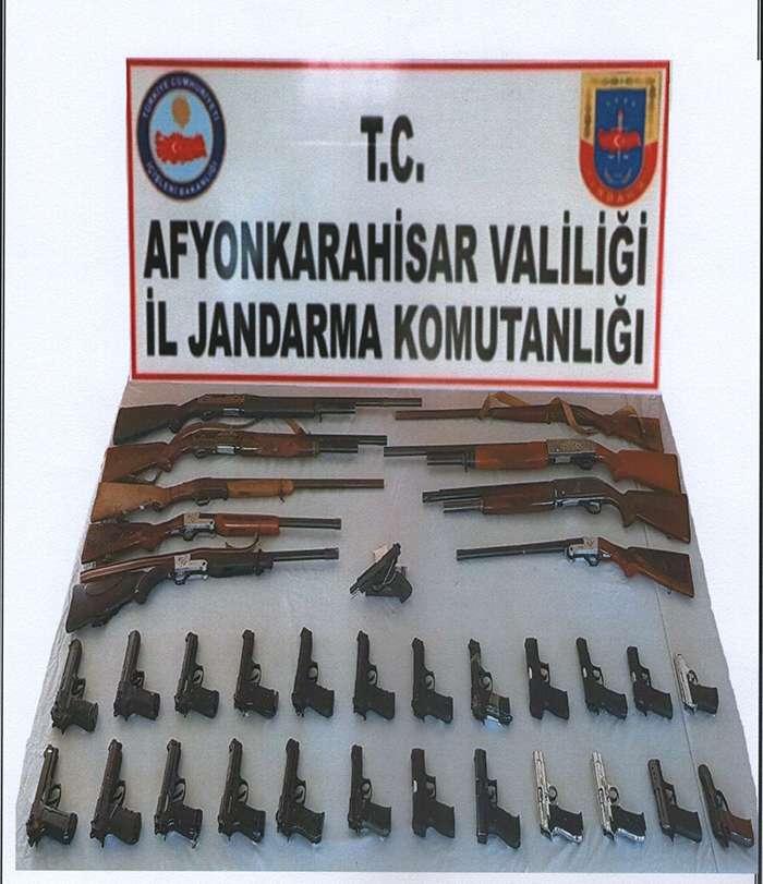 Asker eğlencesinde silah atanlar yakalandı