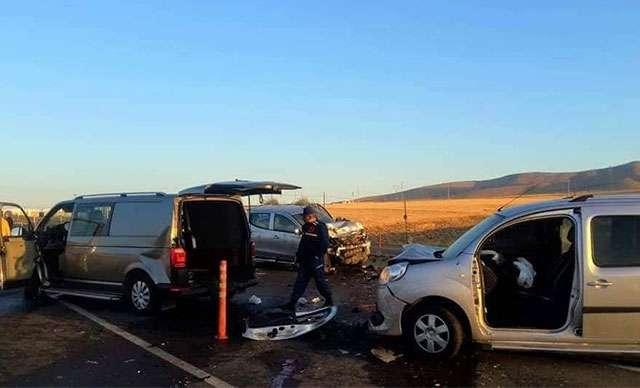 Gelin almaya giden konvoyda facia: Damat, anne ve amca hayatını kaybetti