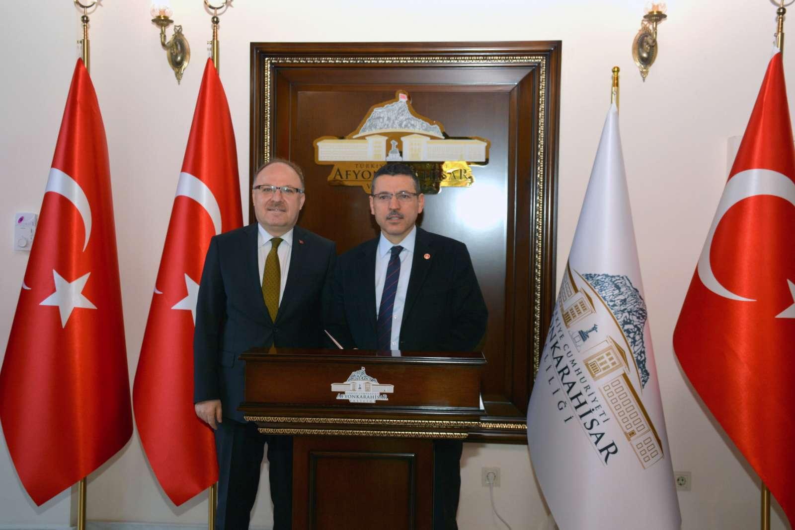 Sayıştay Başkanı Seyit Ahmet Baş Vali Mustafa Tutulmaz'ı Makamında ziyaret etti