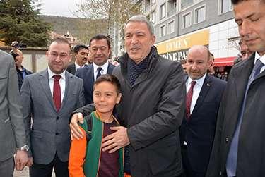 """""""Doğu ve Güneydoğuda Veysel Eroğlu'nu bilmeyen yoktur"""""""