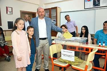 Oy kullanacakları yerler ve saatleri belli oldu