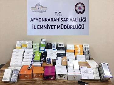 Afyon'da Kaçak cep telefonu operasyonu
