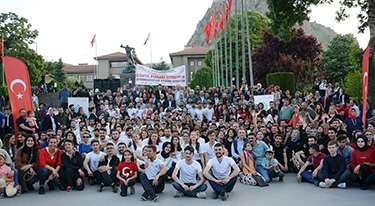 Anıtpark'ta 'Dünya Atabarı Oynuyor' etkinliği