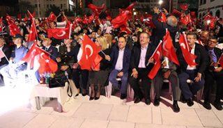 """""""İŞ DÜNYAMIZ DEMOKRASİYE SAHİP ÇIKTI"""""""