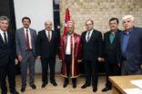 """BAŞKAN ZEYBEK'E """"AHİLİK KAFTANI"""" TAKDİM EDİLDİ"""