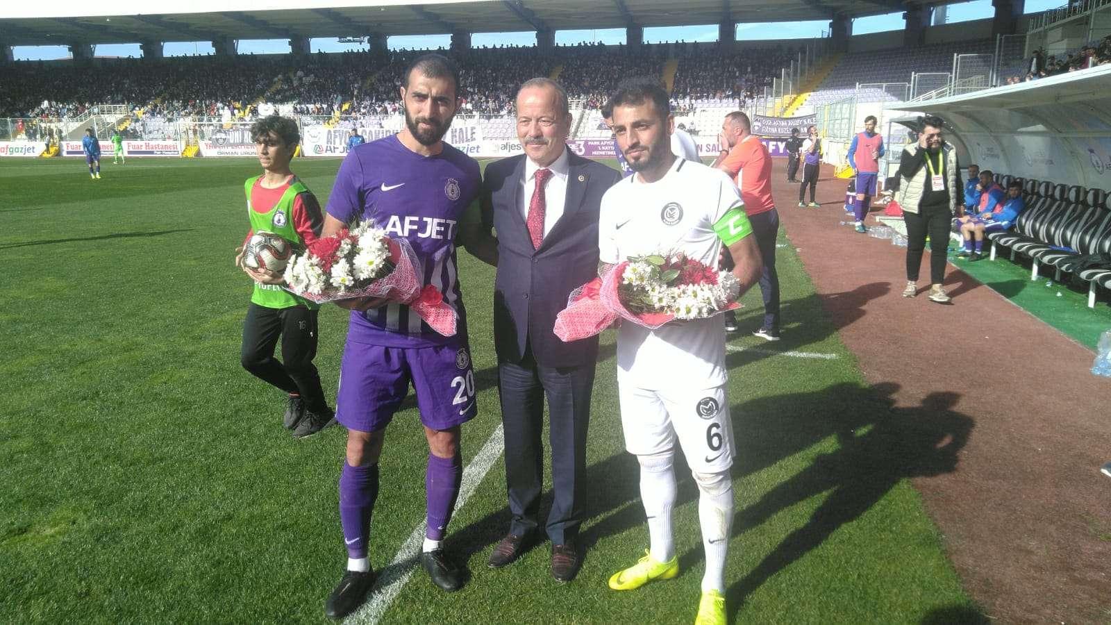 Taytak Afjet Afyonspor'u yalnız bırakmadı