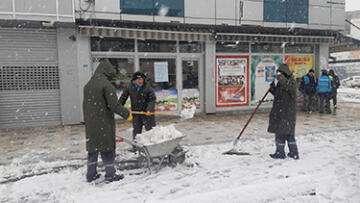 Emirdağ'da karla mücadele çalışması başladı