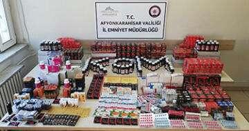 Afyon'da Aktarlara kaçak ilaç baskını