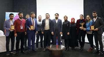 AK Gençler münazara yarışması yaptı