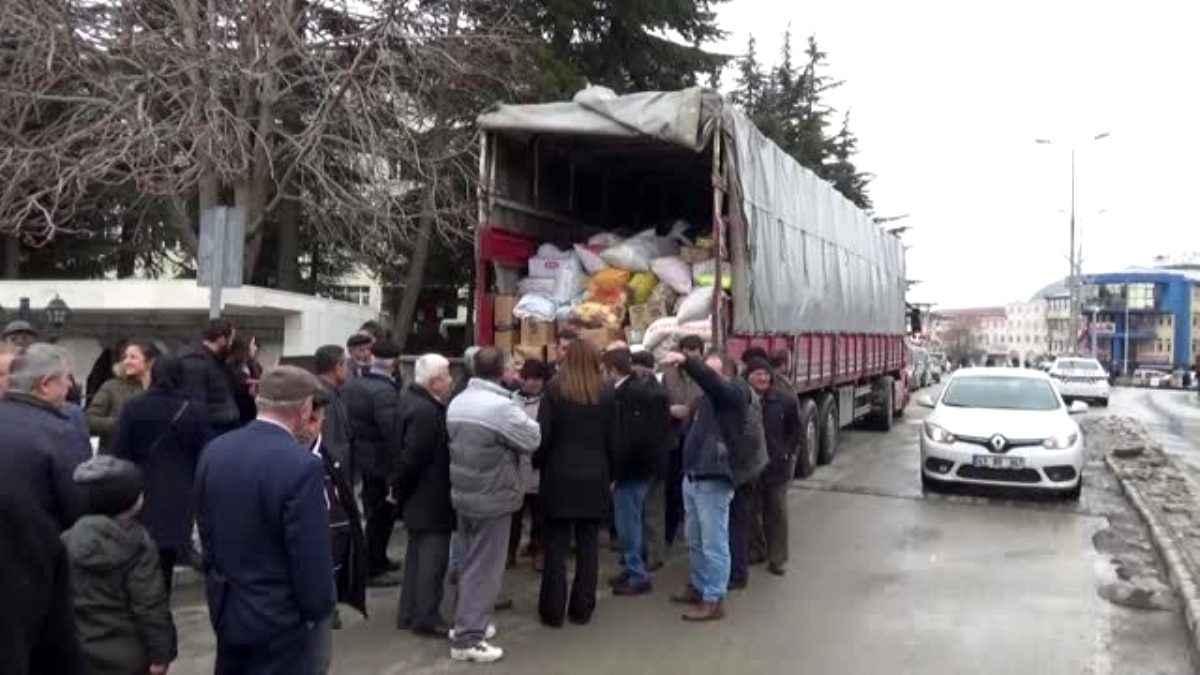 Afyonkarahisar dan deprem bölgesine yardım tırı gönderildi