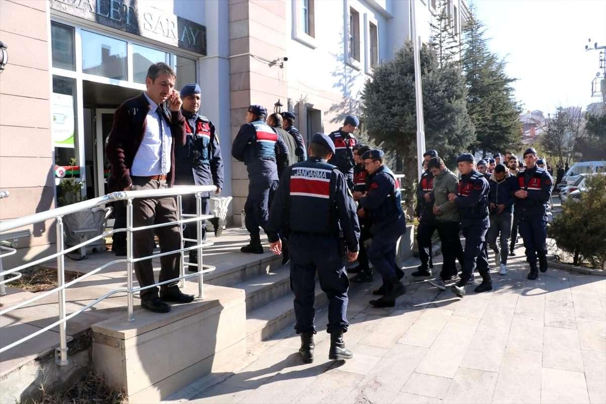 Afyonkarahisar merkezli uyuşturucu operasyonunda 15 kişi tutuklandı