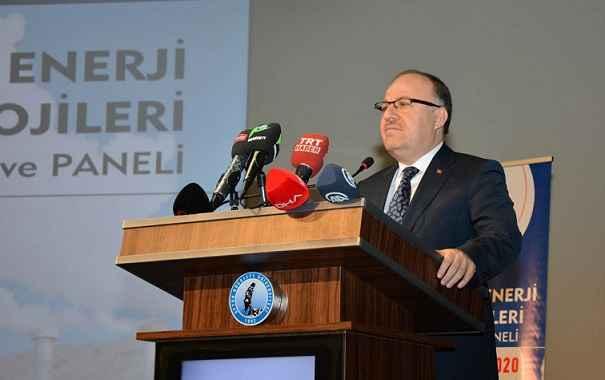 Vali Mustafa Tutulmaz Jeotermal Enerji Teknolojileri Çalıştayı ve Paneli'nin Açılış Programına Katıldı