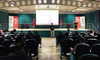 Anadolu Vakfı Afyon'da öğretmenlerle buluştu
