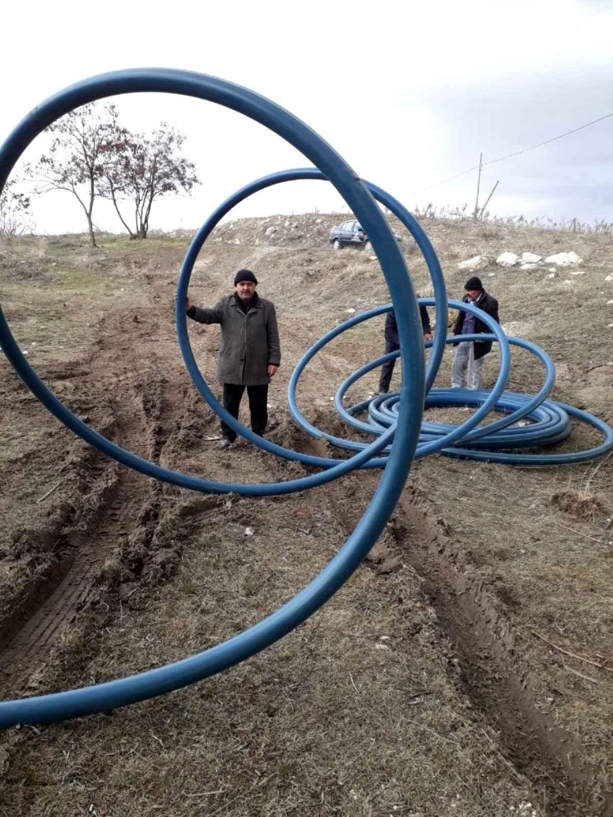 Köylerde içme suyu problemi çözülüyor