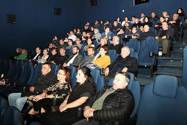 ATSO meclis üyeleri, geçerken uğradım filmini izledi