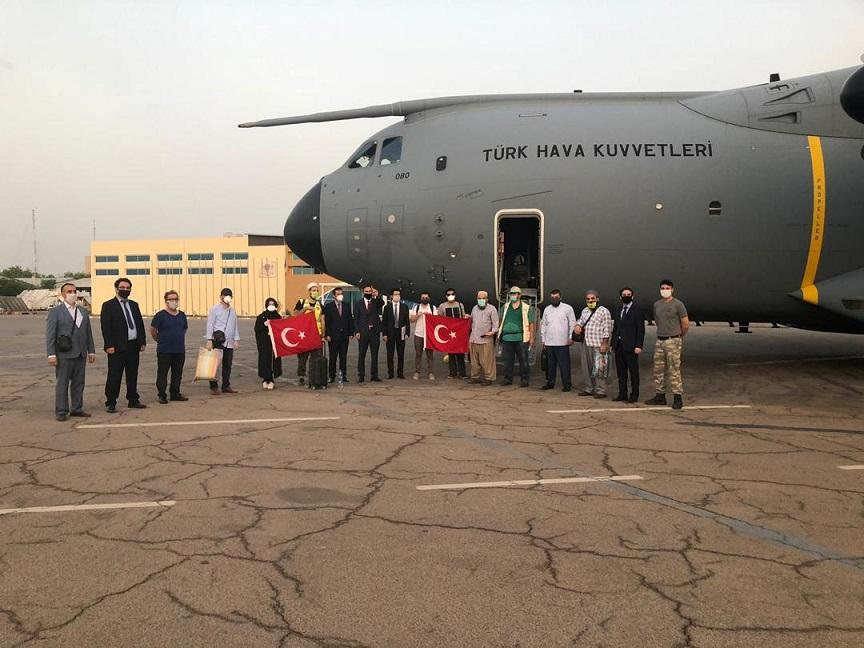 Çad'daki vatandaşlarımız Özkaya'nın girişimleri ile yurda döndü