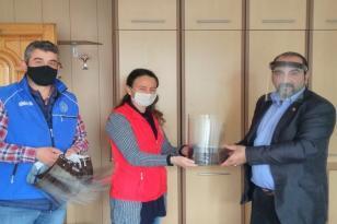 Gençlik Merkezinden basın mensuplarına siperlikli maske