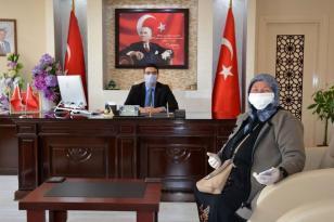 Emekli maaşını biriktirip Mehmetçik Vakfı'na bağışladı