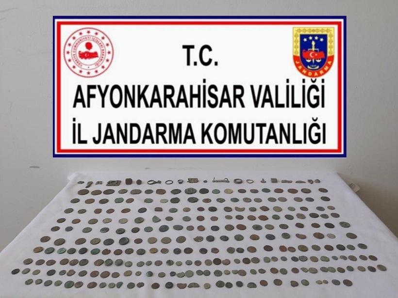 Afyonkarahisar' da 270 parça eser ele geçirildi