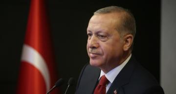Cumhurbaşkanı Erdoğan canlı yayında gazetecilerin sorularını yanıtlıyor