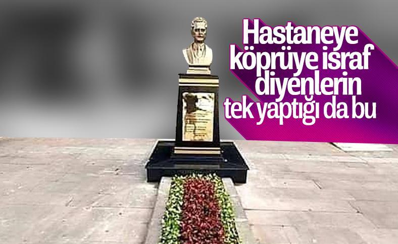 Esenyurt Belediyesi'nden Nazım Hikmet heykeli