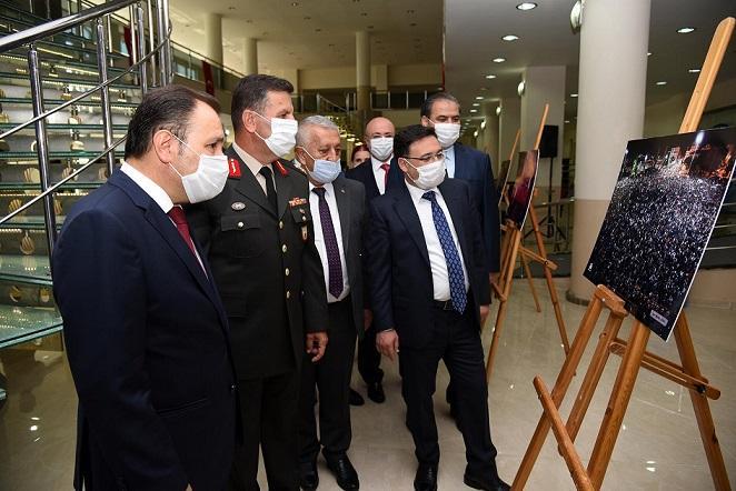 """""""15 Temmuz Milli Direniş, Unutmadık… Unutturmayacağız"""" Fotoğraf Sergisi Açıldı"""