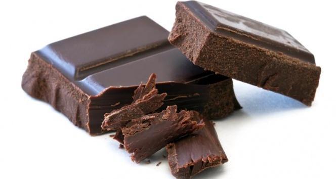 Bitter çikolata kalbe iyi geliyor