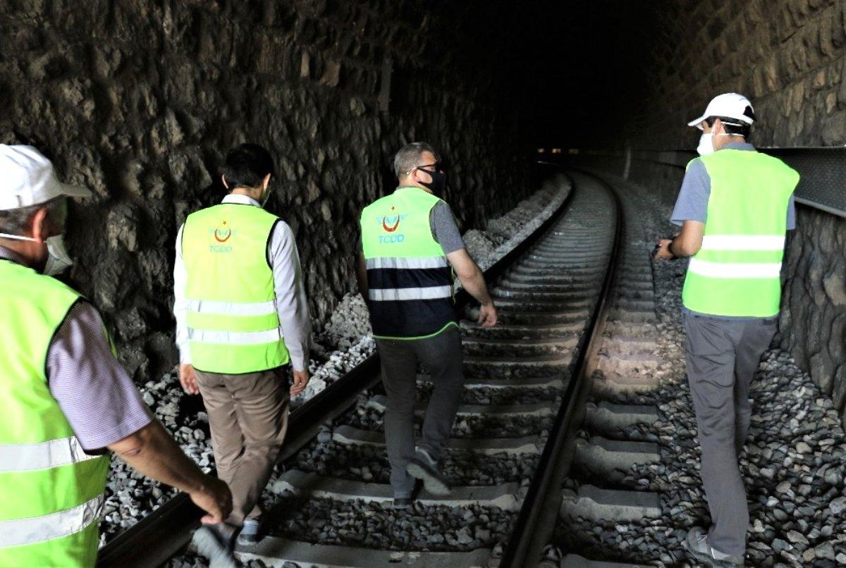Demiryolu tünelinde kot düşürme çalışmaları
