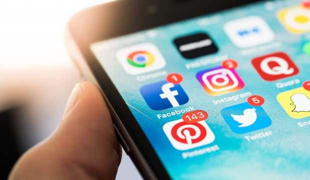 Facebook ve Instagram'dan maske uyarısı