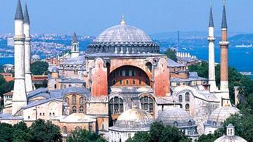 Kiliseden camiye, camiden müzeye Ayasofya nın tarihi