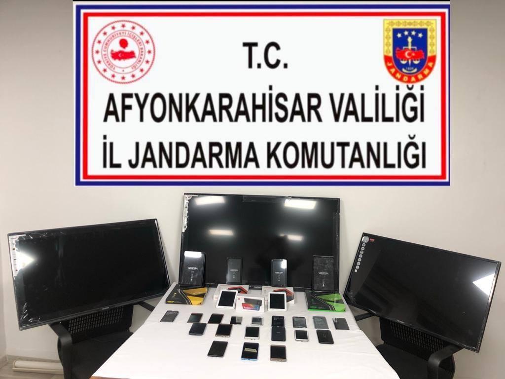 Afyonkarahisar'da kaçak cep telefonu operasyonu