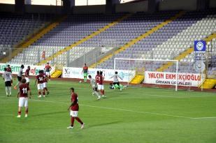 Altayspor ile Bandırmaspor hazırlık maçı yaptı